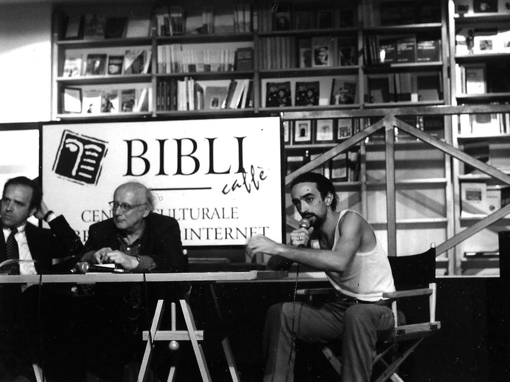 1999 presentazione della Rivista quadrimestrale inchiostri nella libreria Bibli - in fotografia