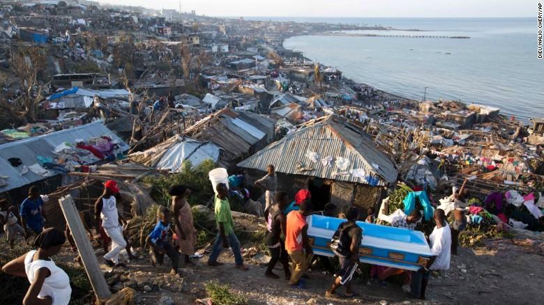 haiti-aiuto-uragano-mathew-2