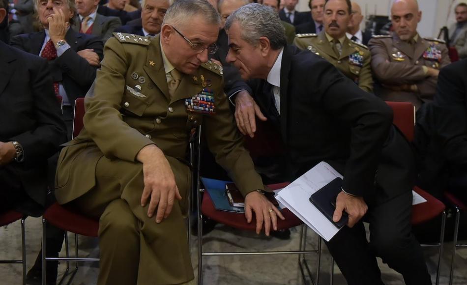 Mauro Moretti AD di Finmeccanica Leonardo con il Generale Graziano