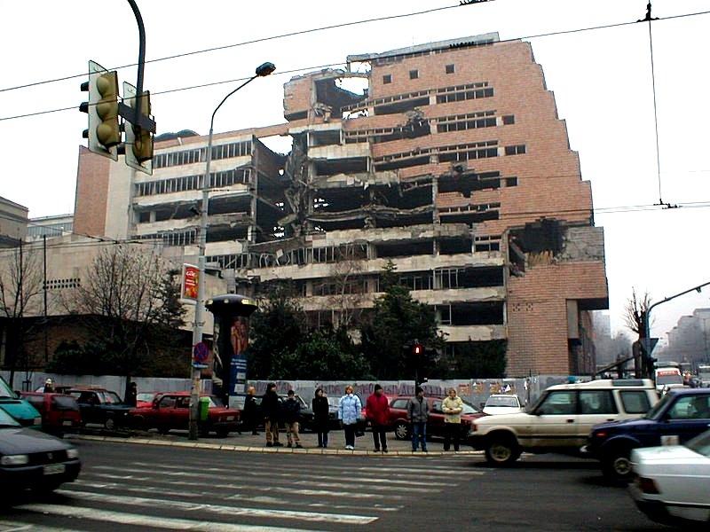Belgrado bombardata dalle forze della NATO senza nessuna dichiarazione di Guerra