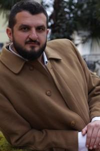 Lo scrittore pescarese Alessio Romano