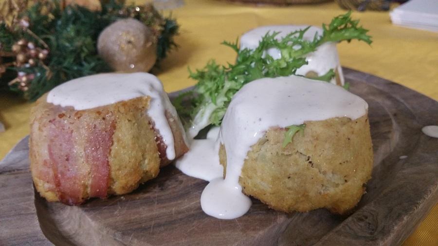 Uno sformatino con pancetta, provola e crema di parmiggiano - foto di Germano Milite