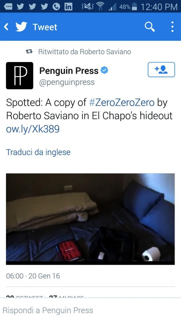 tweet della Penguin Press che mostra fiera la sua edizione sul letto de El Chapo ritwittato da Saviano stesso