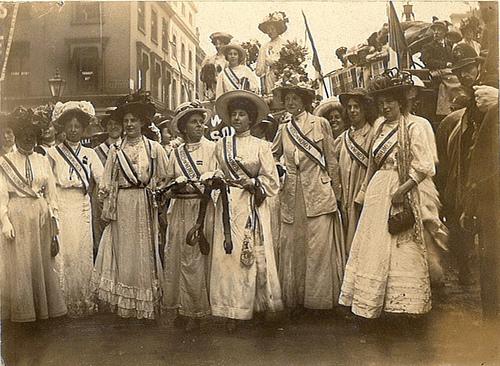 Risultati immagini per suffragette