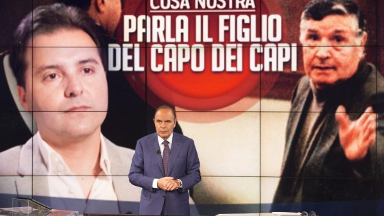 controllo del presente : Il figlio e mafioso egli stesso di Toto Riina. a Porta a Porta. Primo Canale della televisione di Stato