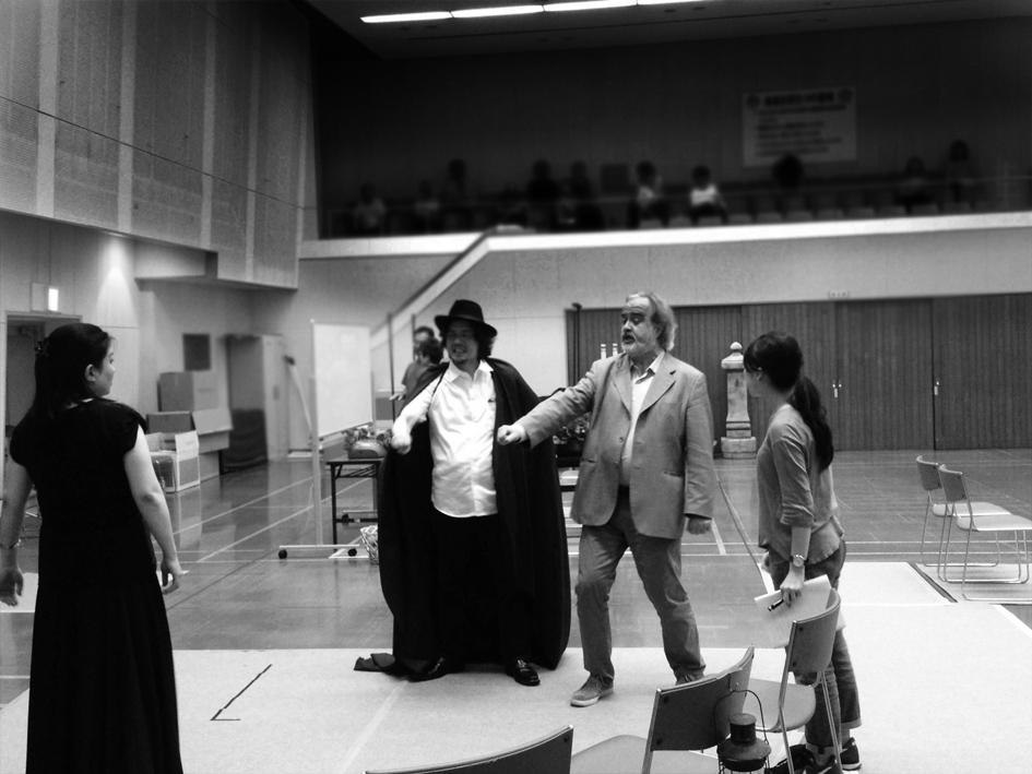 diario da osaka 3 Marcello lippi durante la preparazione dei cantanti di opera Giapponesi con cui debuttera il 25 giugno