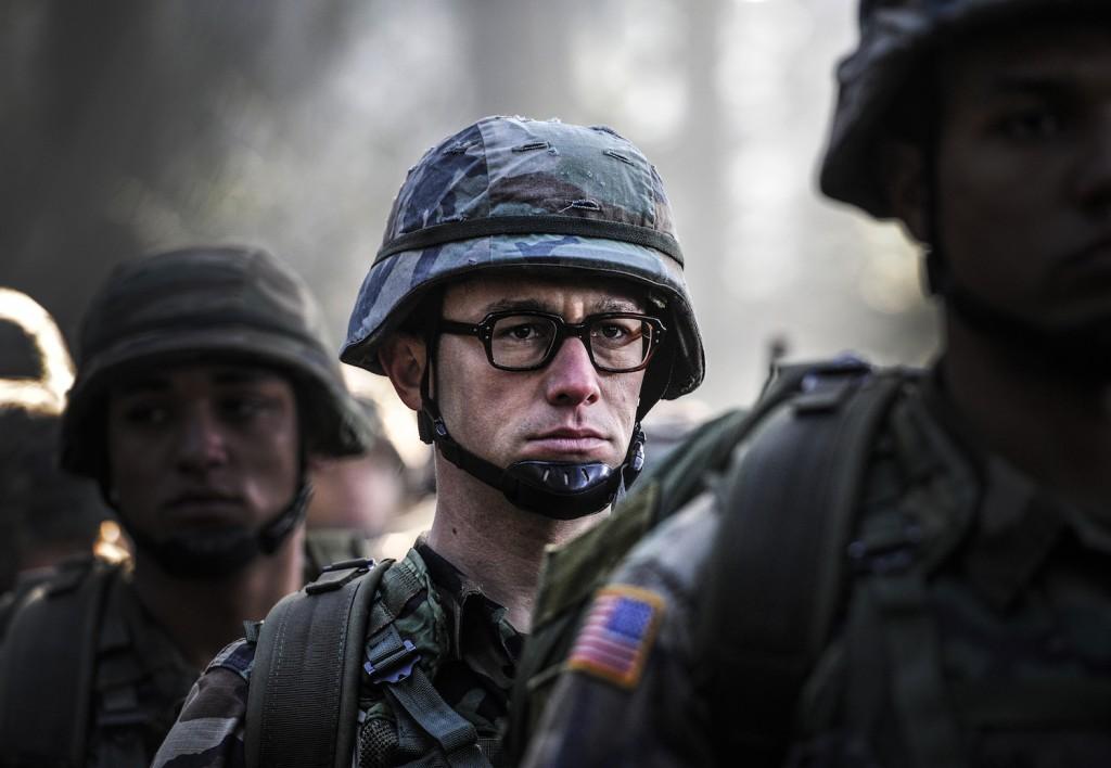 una scena del film Snowden