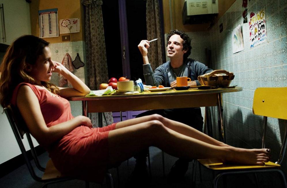 Isabella Aragonese e Francesco Montanari in un fotogramma del film. A mio parere volti distanti anni luce dal rappresentare i personaggi di questa storia