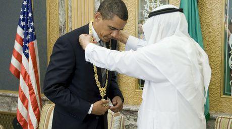 Obama riceve una onorificenza Saudita